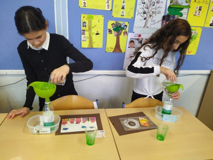 Elementary school children are introduced to science and technology