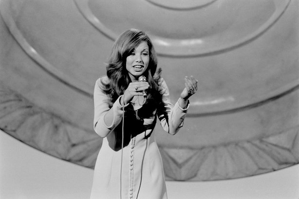 Spanish Carina in the Eurovision Song Contest (1971) Roy Biddle 2109_081