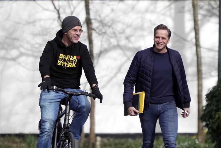 Mark Rutte and outgoing Health Minister Hugo De Jong together arrived at Catshuis.  Photo of the Environmental Protection Agency