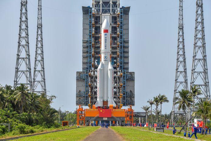 Launch rocket.