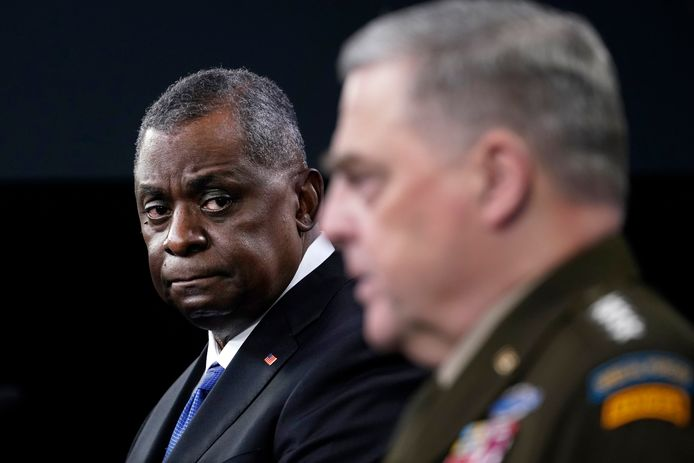 Defense Secretary Lloyd Austin (left) and General Mark Milley at a press conference on the Chinese missile.
