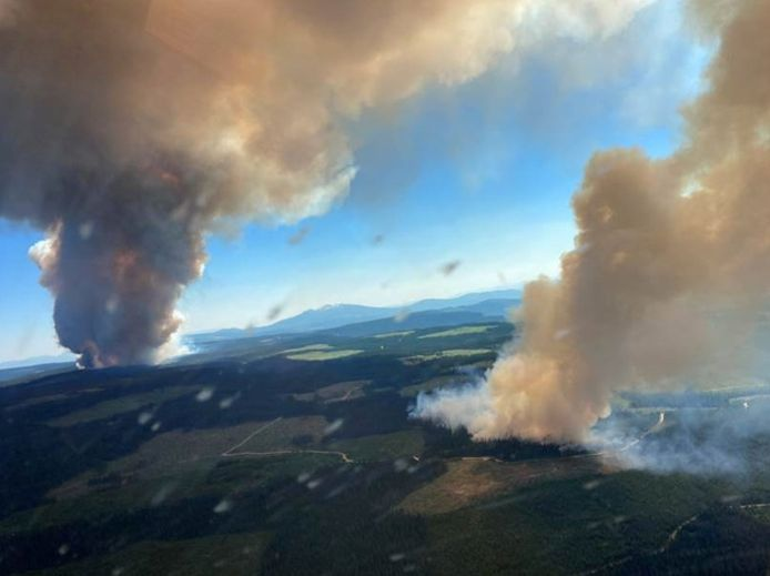 Large fires near Lake Long and Lake Derrickson in British Columbia.