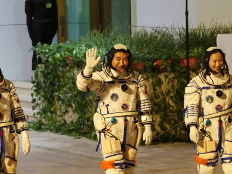 Chinese astronauts arrive at the space station    Abroad